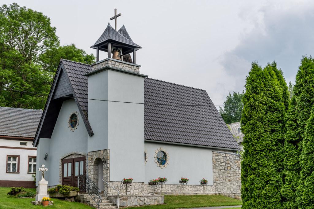 Kościół w Browińcu Polskim.jpeg