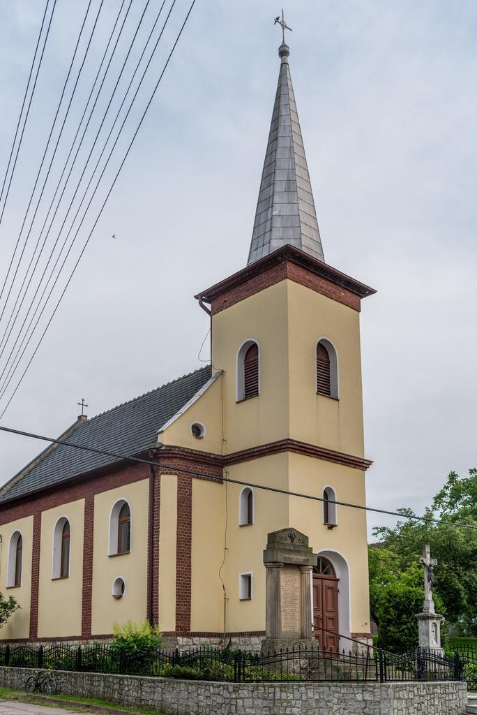 kościół w Miłowicach.jpeg