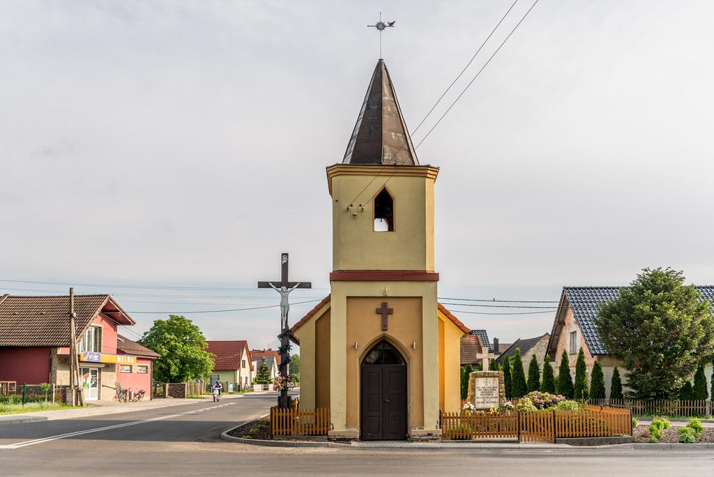 Kaplica św. Rocha w Pogórzu.jpeg