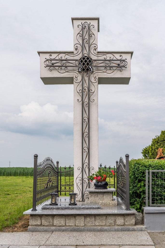 Dzwonnica w Żabniku.jpeg