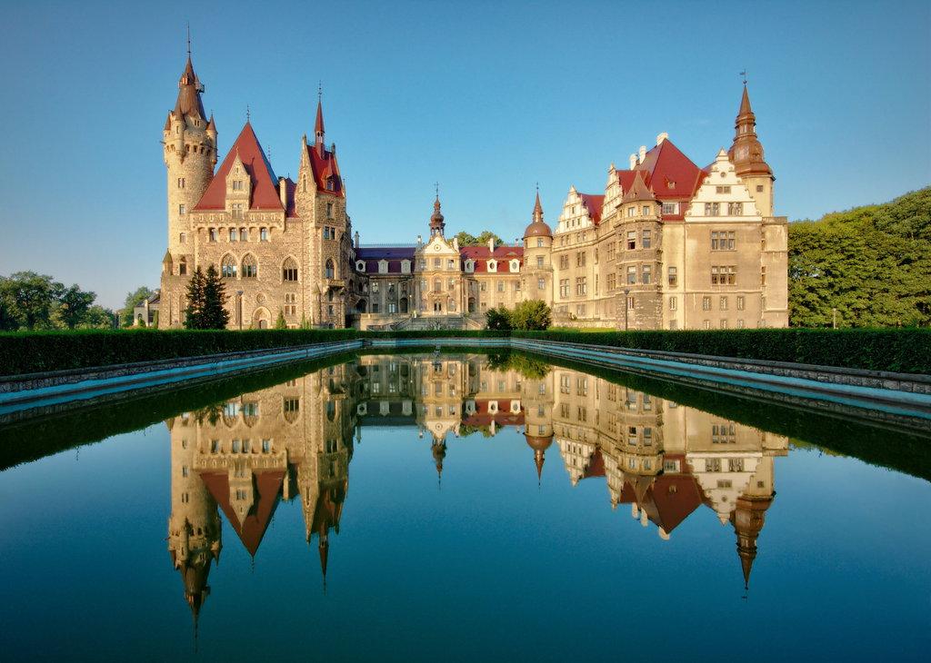 Zamek w Mosznej.jpeg
