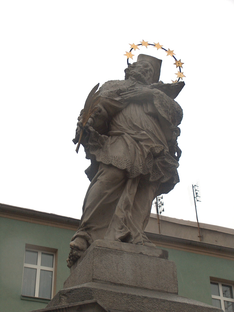 Pomnik Św. Nepomucena (1).jpeg