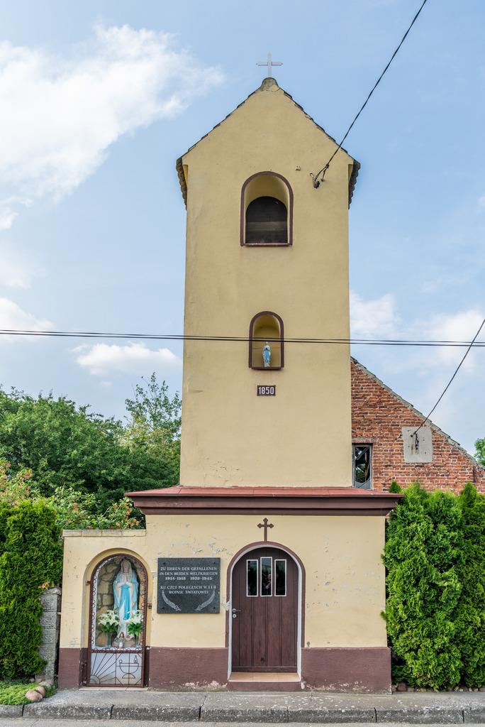 Kaplica w Brzeźnicy.jpeg
