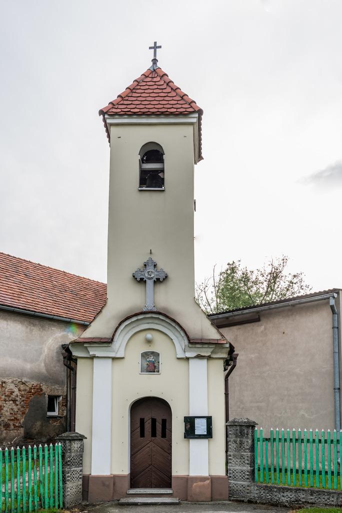 Kaplica w Radostyni.jpeg