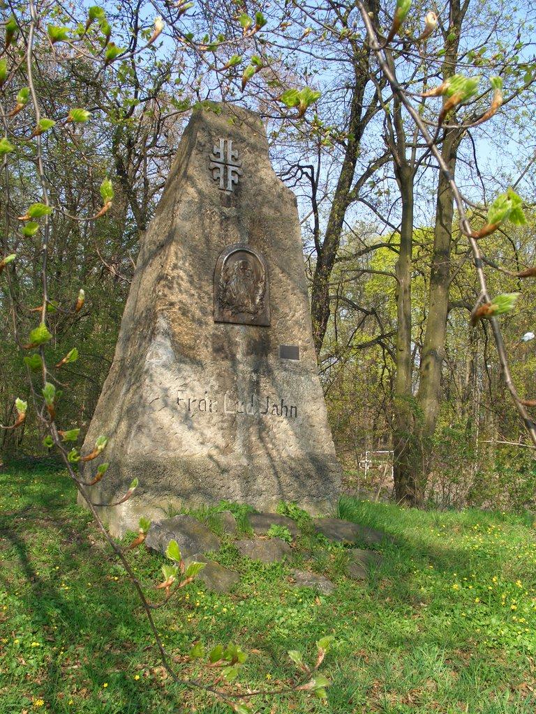 Pomnik Friedricha Ludwiga Jahna (2).jpeg